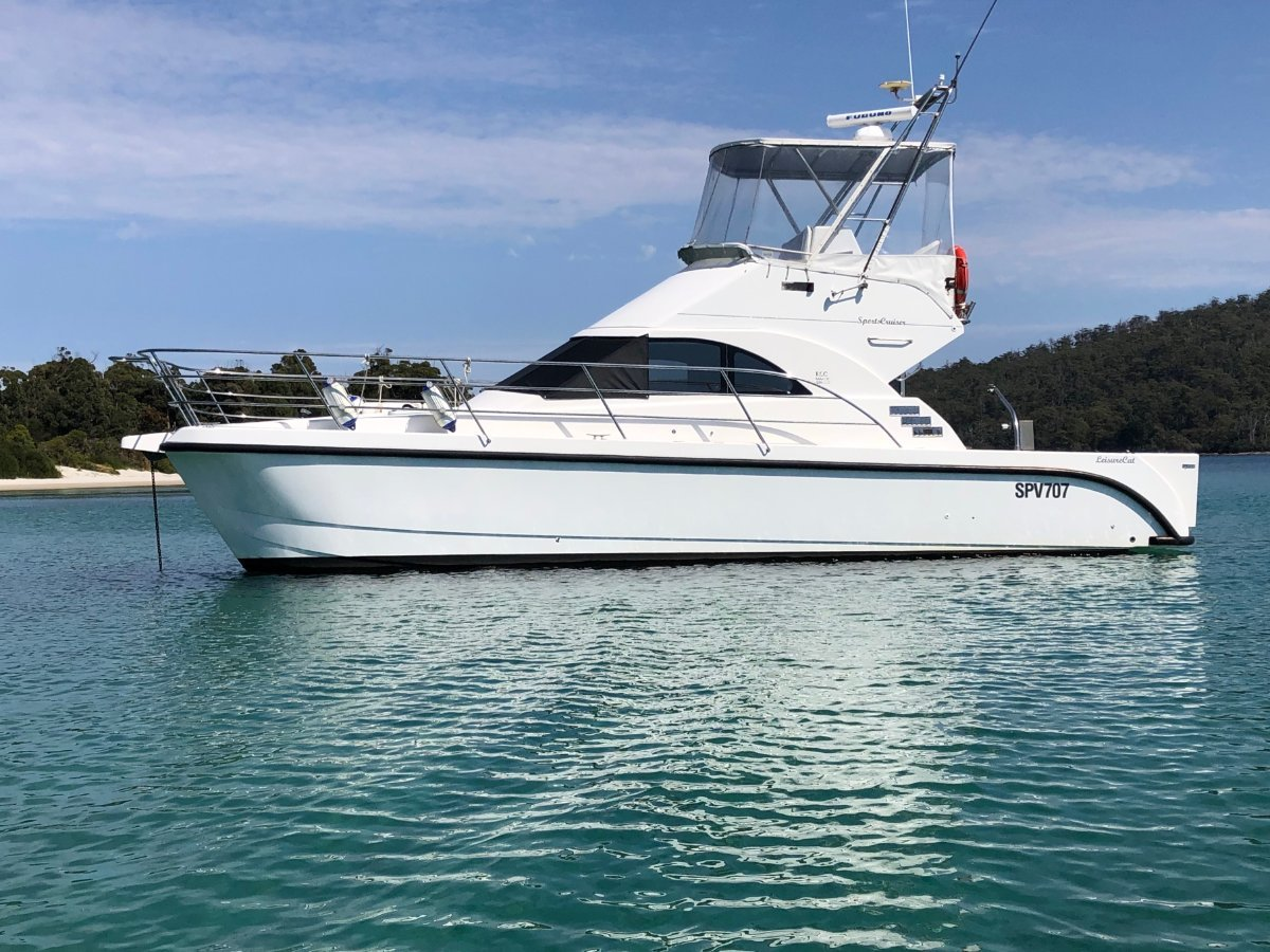 Leisurecat 3500 Sports Express 11.28m Sports Cruiser MUST SELL HUGE PRICE DROP
