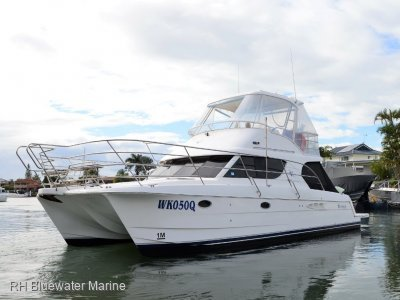 Voyager 1040 Flybridge Catamaran 2006 Voyager 1040 Flybridge Diesel Shaft Drive Ori