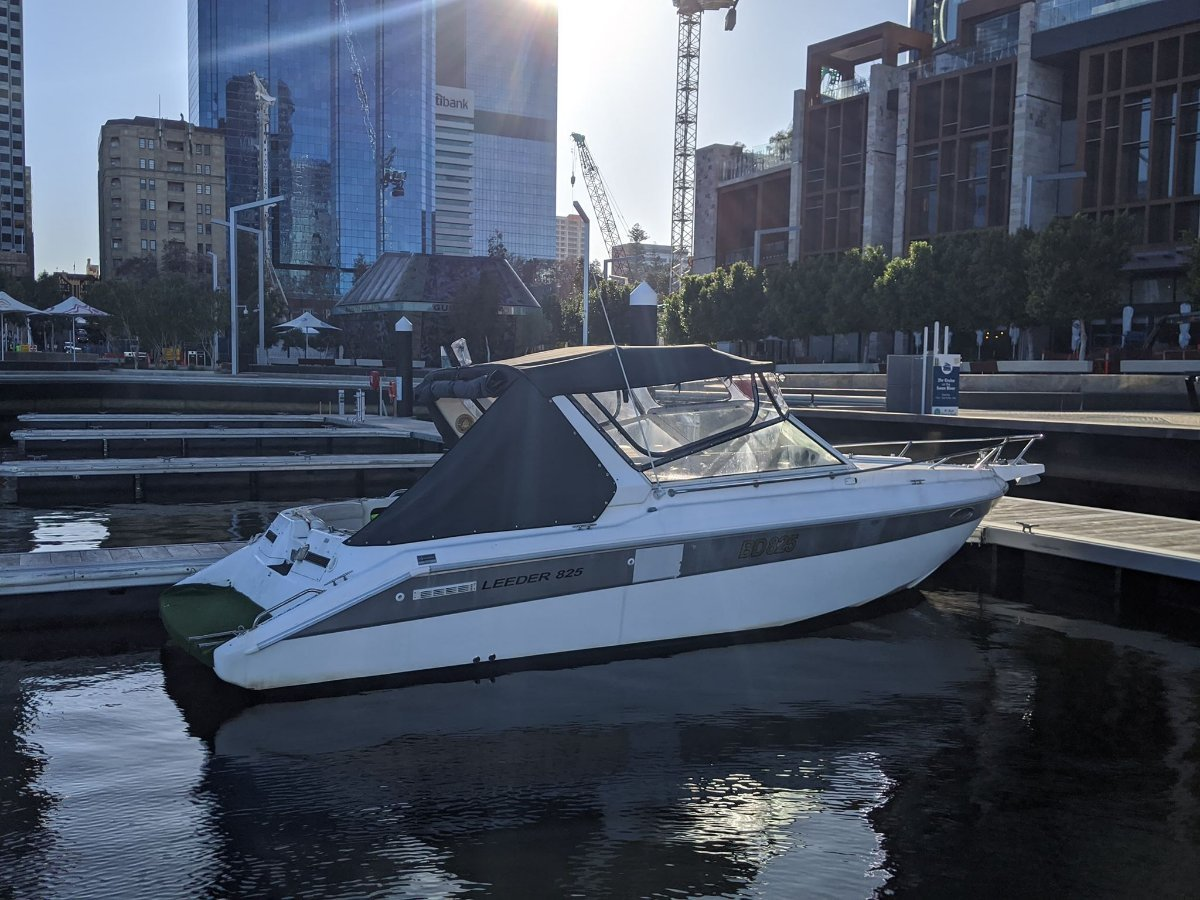 Leeder 28ft Twin Engines - MUST SELL:10 July 2020