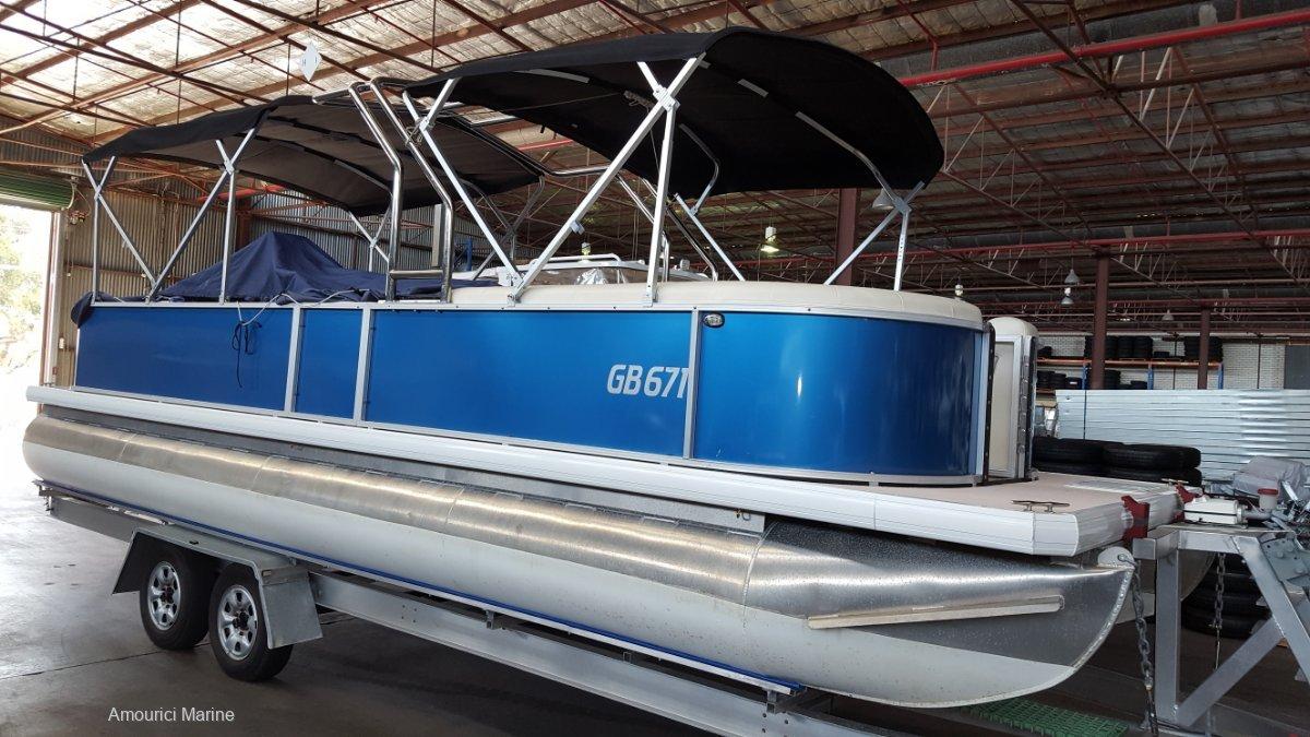 Runaway Bay Pontoon Boats 8m