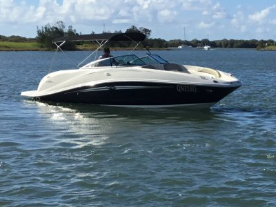 Sea Ray 260 Sundeck- Click for more info...