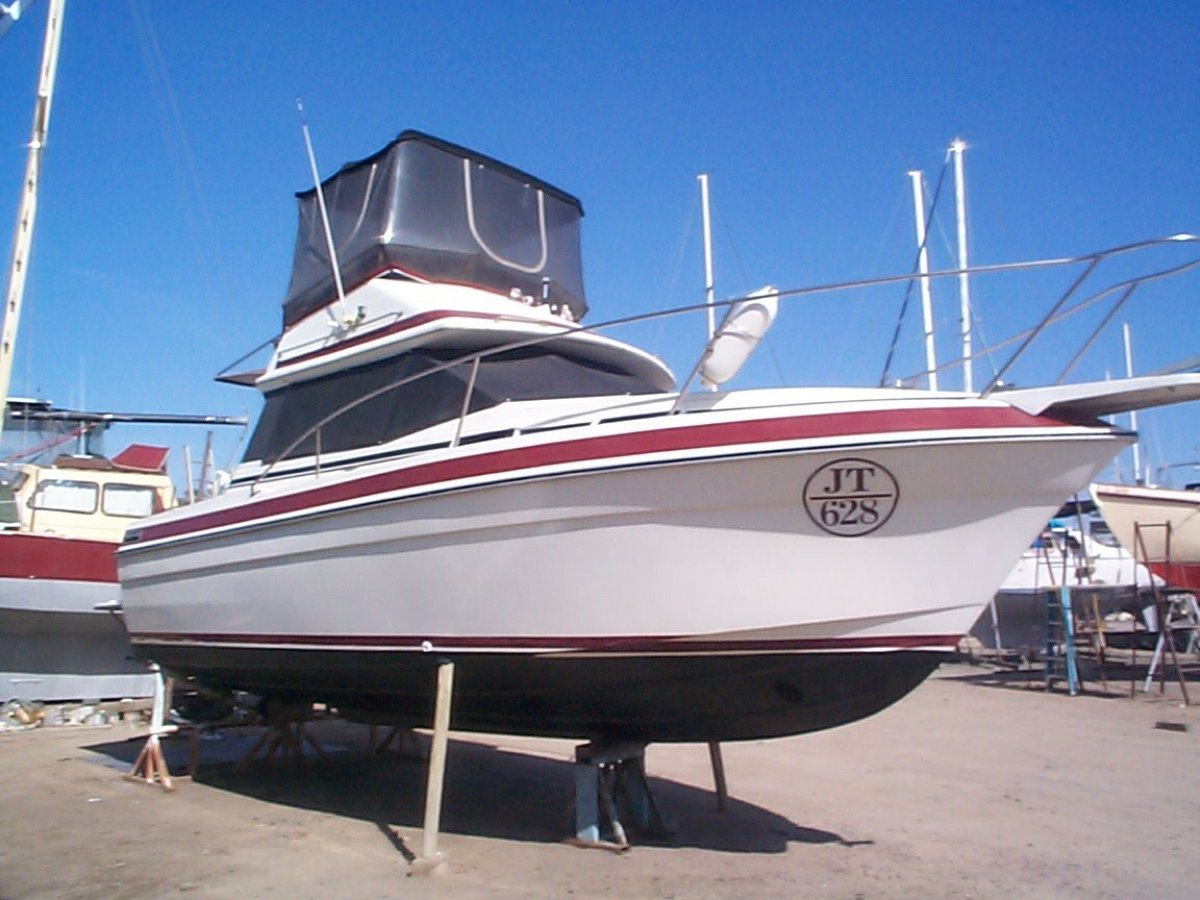Markline 850 Flybridge:Starb Side