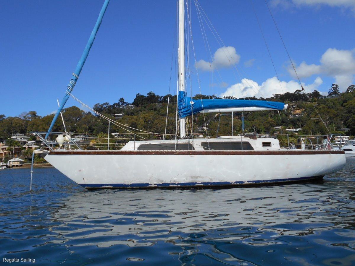 Roberts 34 Fiberglass Yacht Lazy Jacks Furling Headsail