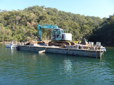 12M Construction Barge, 7.5M Alloy punt