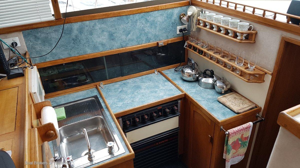 Riviera 38 Flybridge An early model in good order.