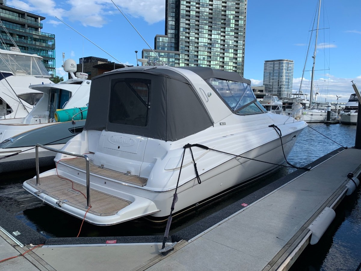Riviera M370 Sports Cruiser:https://imgs2.yachthub.com/2/3/3/4/6/0/1_1.jpg?1893020243