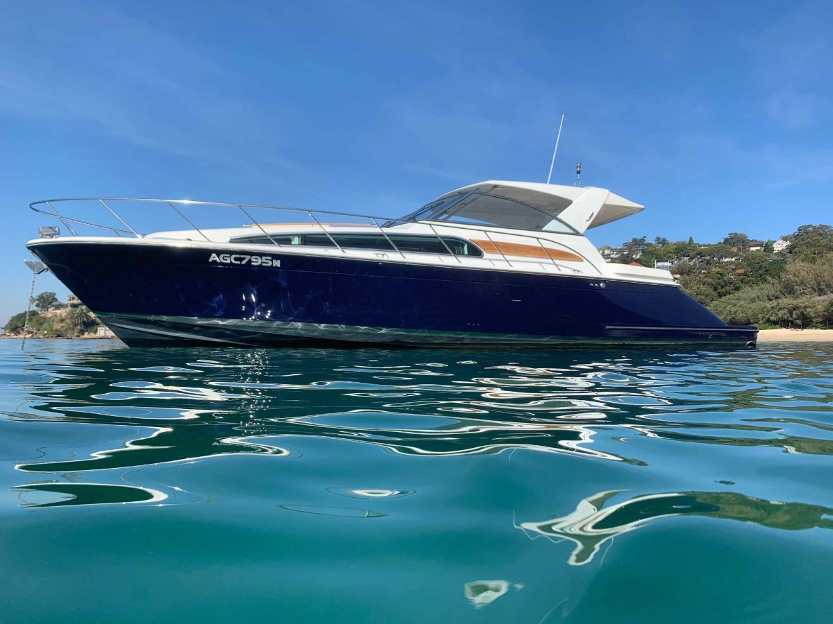 Chris Craft 43 Roamer Heritage - Make and offer and be ready for the 2019 Summer!