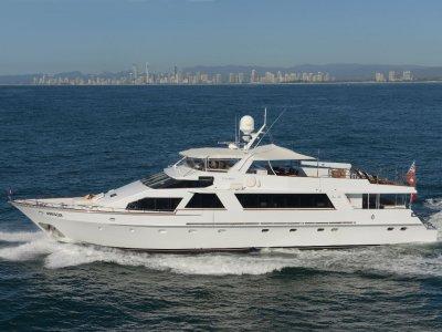 Lloyd 106 Motor Yacht