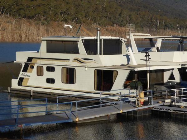 Houseboat Holiday Home on Lake Eildon, Vic.:Albatross on Lake Eildon
