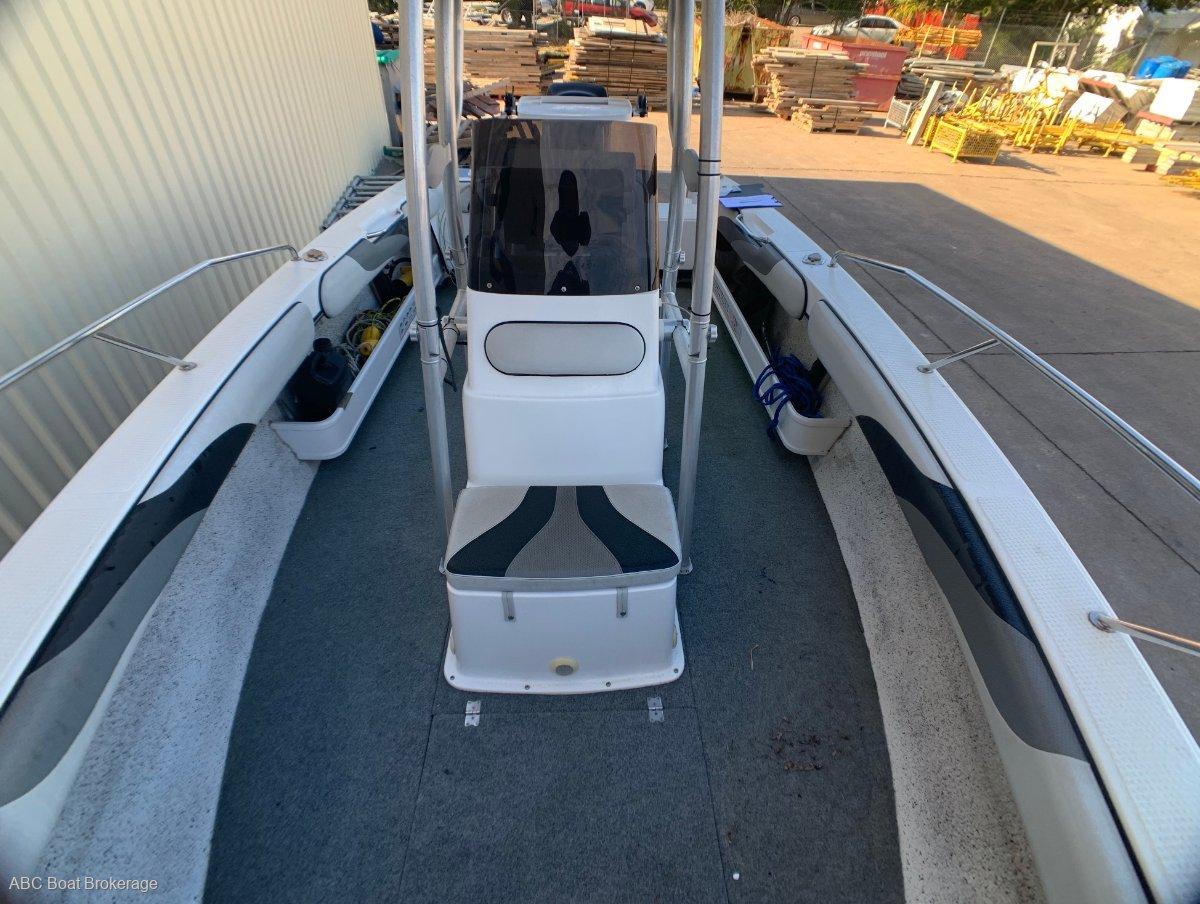Lewis Boats 675 CC