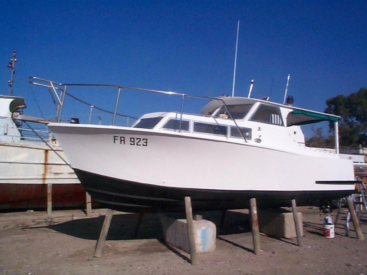 Endeavour 26:26 Motor Boat
