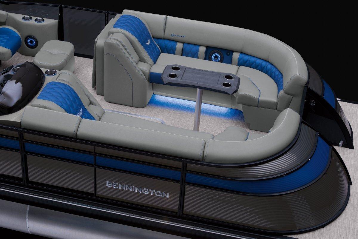 Bennington Pontoon Boat 25QSRFB