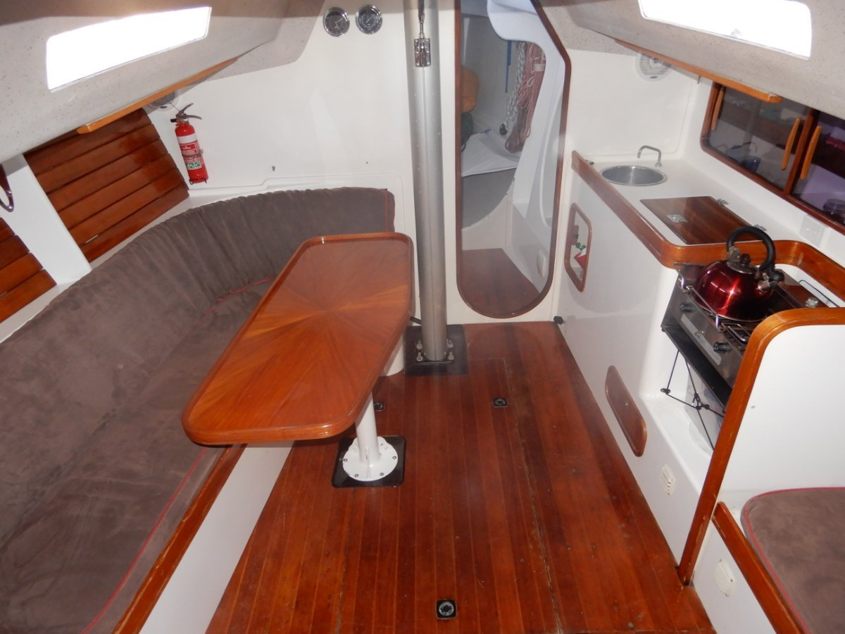 Sydney Yachts 38 EXCELLENT PRESENTATION RECENT UPGRADES