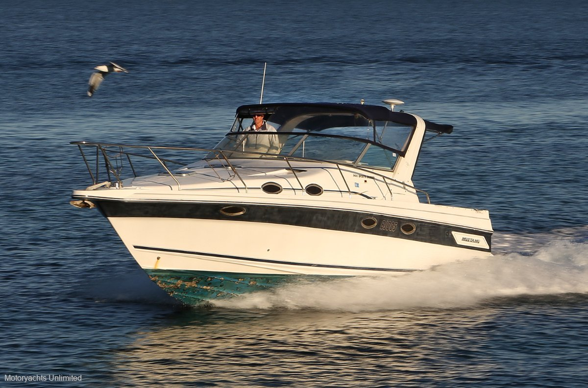 Mustang 3400 Sportscruiser - delivered new into WA, just two owners:Mustang 3400