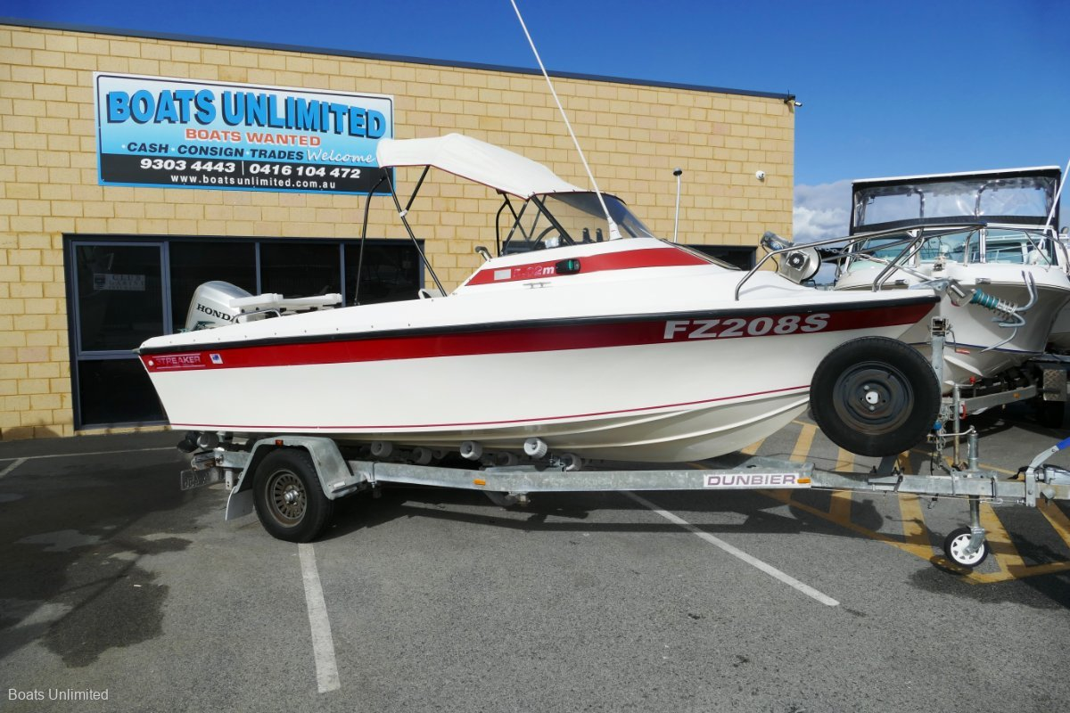 Streaker 5.02 SPORTS CUDDY FAMILY FISHING STYLE AS NEW 4 STROKE