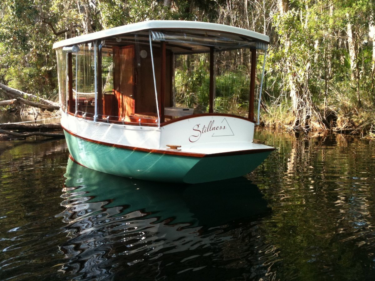 Scruffie Solar powered electric boat:Noosa River Everglades