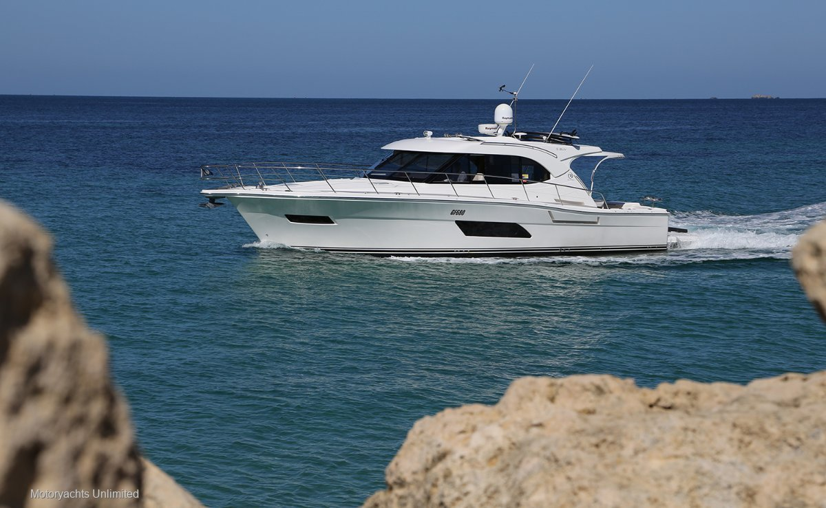 Riviera 445 SUV - Beautifully present and highly optioned