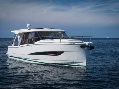 Greenline 39 - Low running costs from single diesel shaft drive