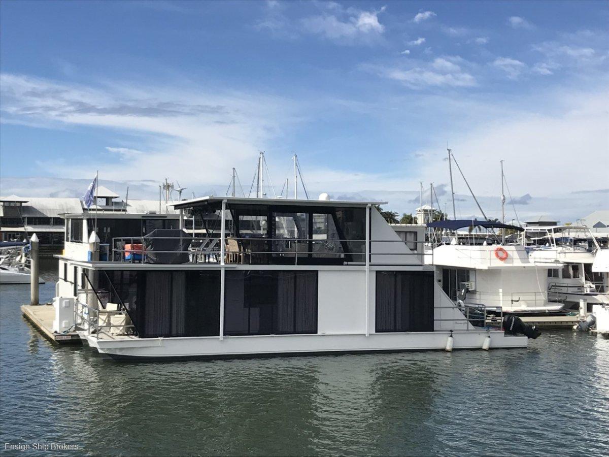 Havana 52 Houseboat
