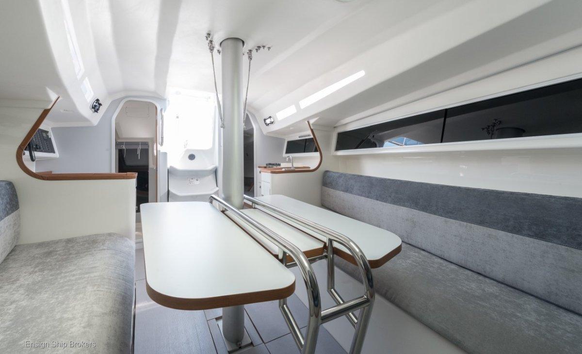 Italia Yachts IY 9.98 Bellissima
