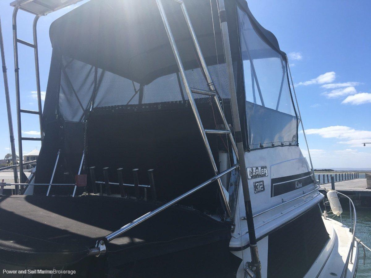 Carver 32 Flybridge OWNER SAYS SELL