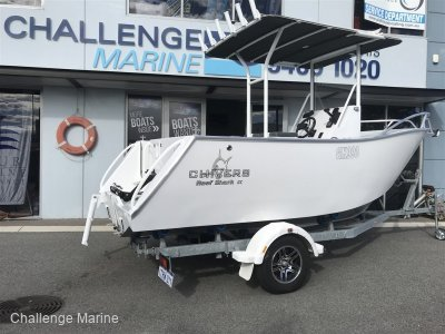Chivers Reef Shark Centre Console HULL AND TRAILER Package