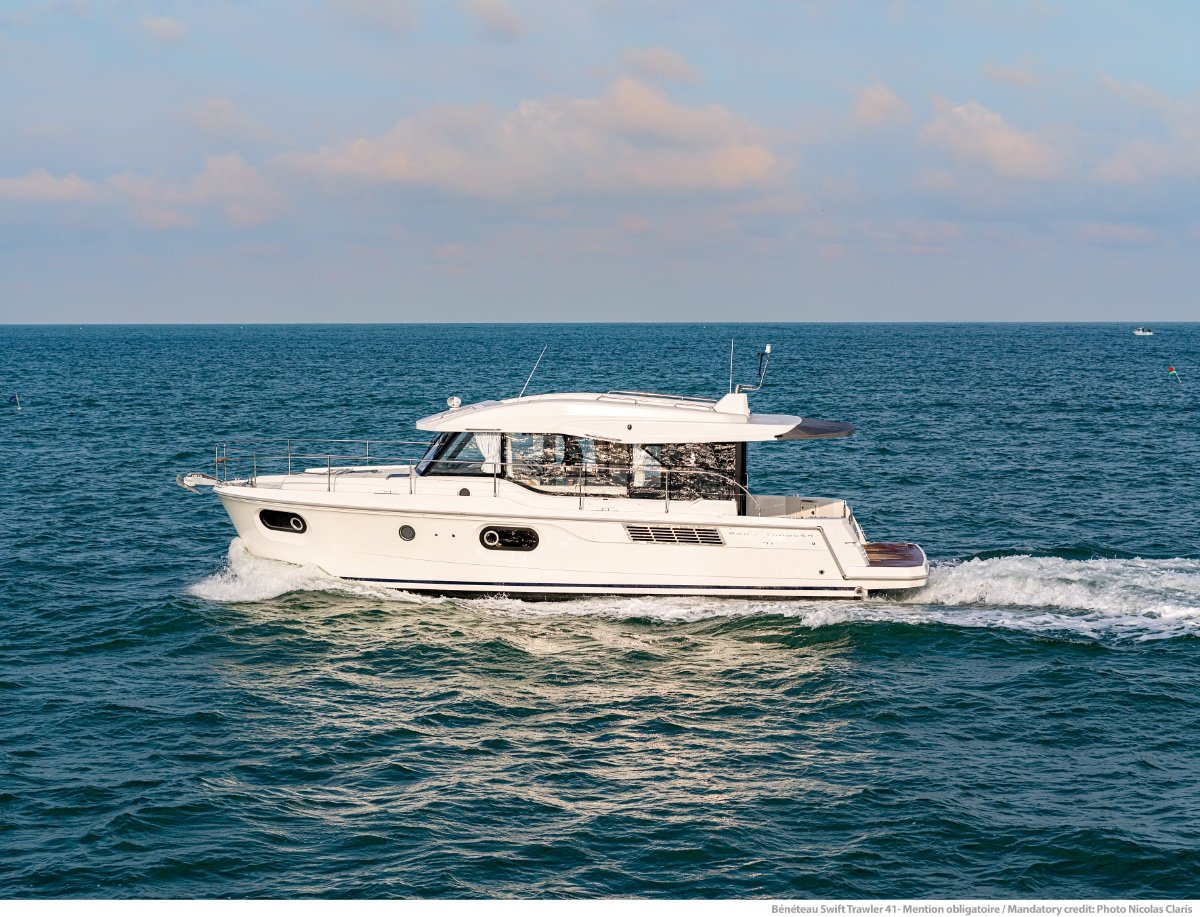 New Beneteau Swift Trawler 41 Sedan: Power Boats | Boats Online for