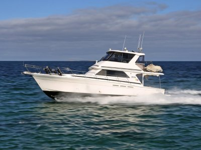 Caribbean 47 Flybridge Cruiser - Highly optioned and ready for coastal cruising