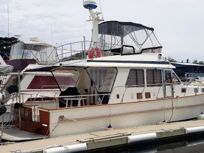 Alaska 45 Flybridge Low hours, 3 cabins, 2 heads