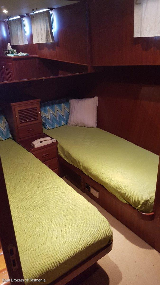 Last Word Alaska 45 Flybridge Low hours, fully optioned. Boat Brokers of Tasmania