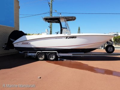Boston Whaler 270 Outrage *** SERIOUS OFFERS PRESENTED***