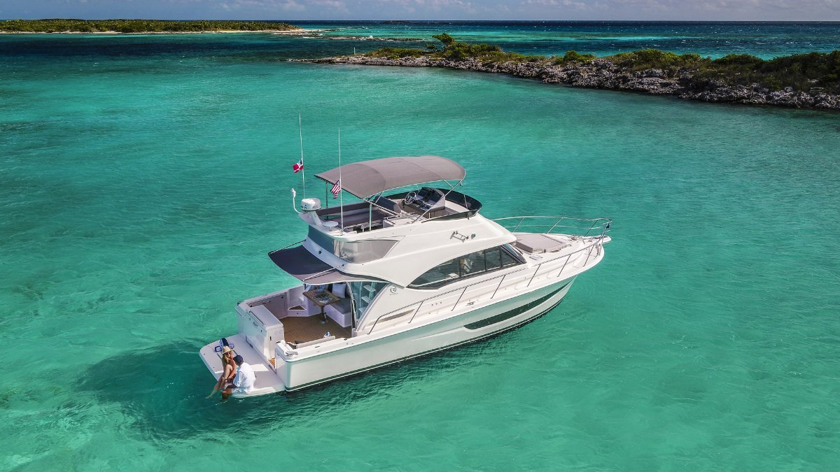New Riviera 39 Sports Motor Yacht: Power Boats | Boats Online for