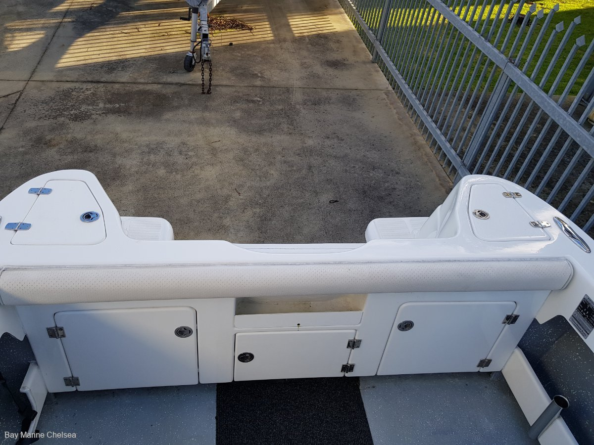 New Ocean Master 710 Centre Console