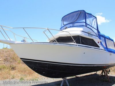 Bertram 28 Flybridge With New 300Hp Mercruiser's