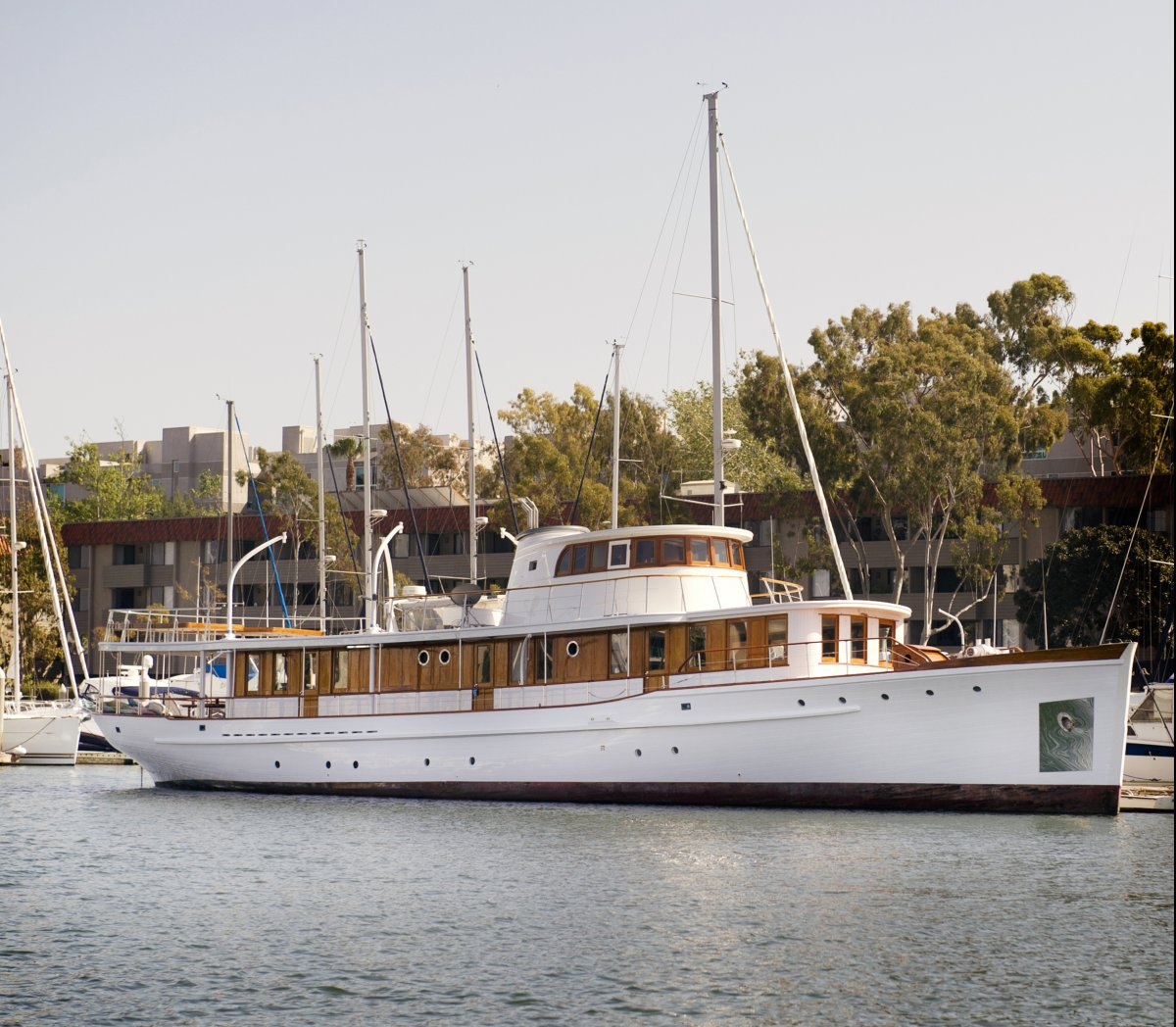 Wilmington Boat Works Classic Motor Yacht