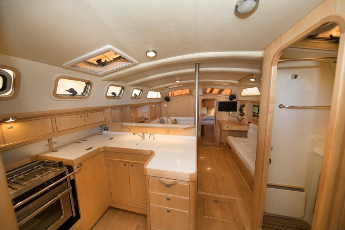 Bluewater Cruising Yachts Bluewater 420RS Bluewater 420 Raised Saloon