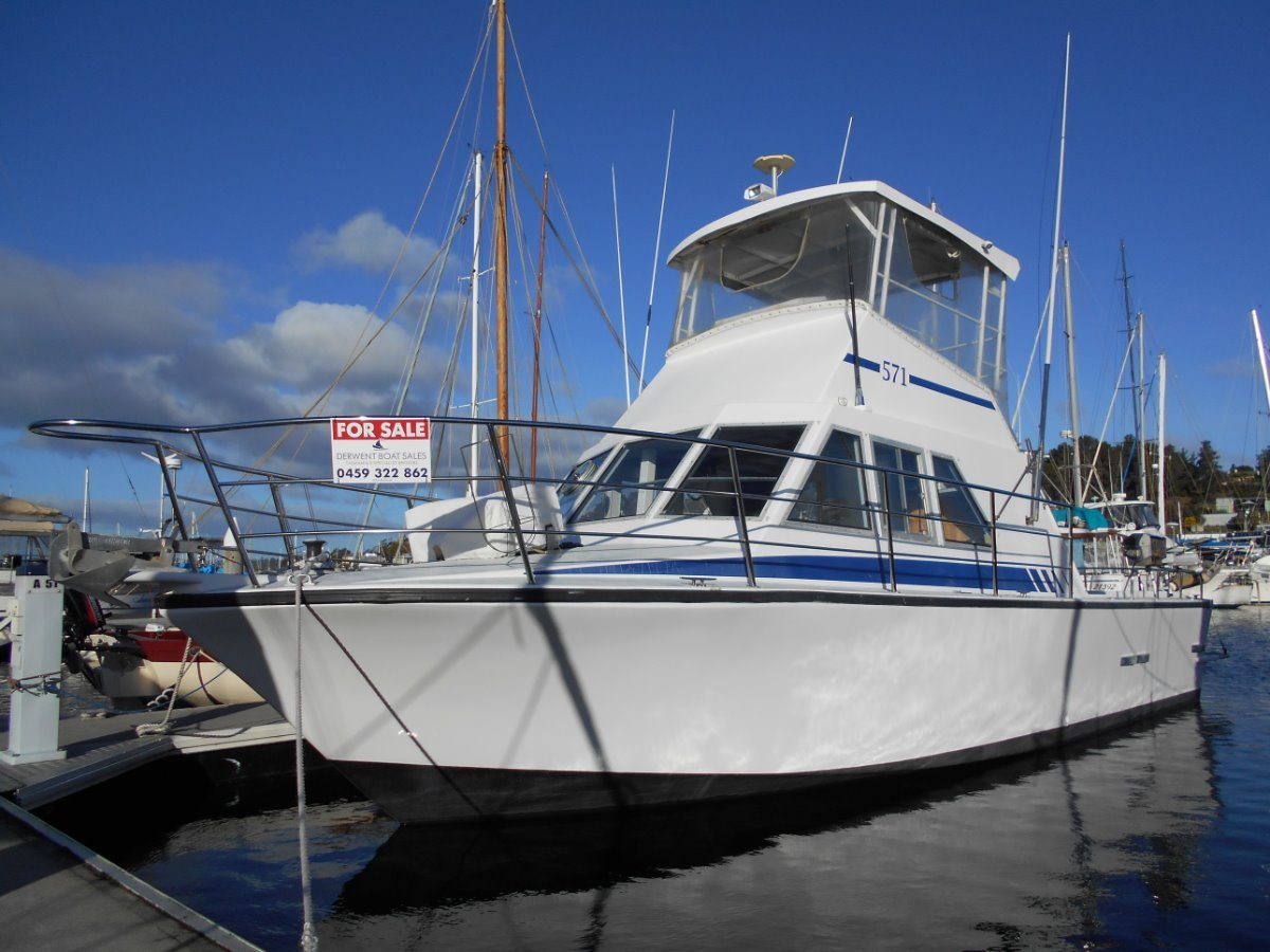 10.5m Flybridge Fishing / Cruiser MUST SELL