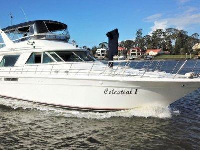 Sea Ray Cabin Cruiser