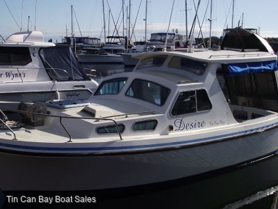 Roberts 21 Longboat covered aft deck, trailer and marina berth