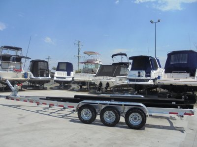 NEW MAGIC TILT BOAT TRAILER SUITS 28Ft - 30Ft
