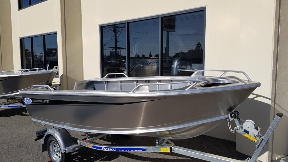 Stessco Catcher FL429 Limited open boats and centre consoles