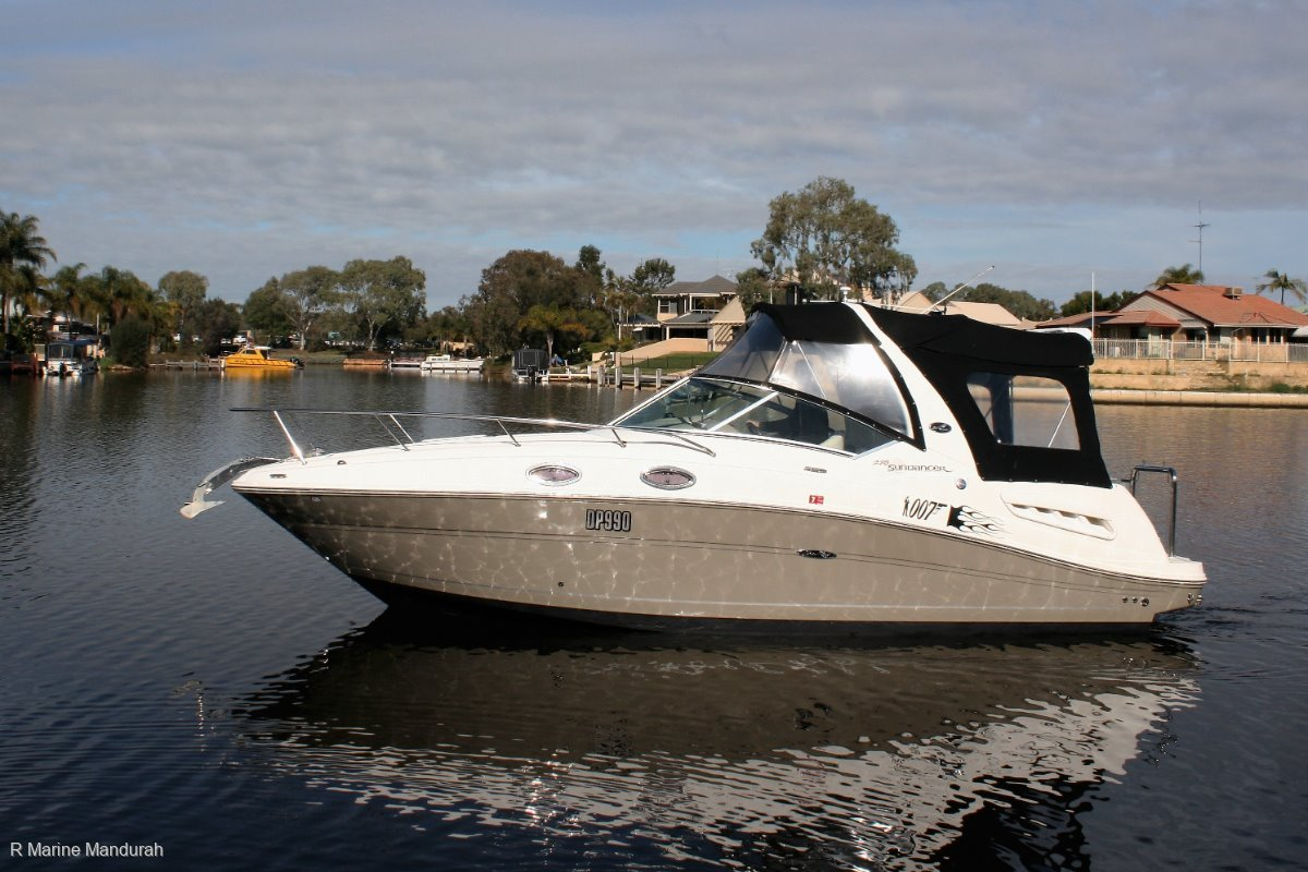 Sea Ray 275 Sundancer ***INCLUDES FLOATING DRY DOCK** UNDER OFFER ***