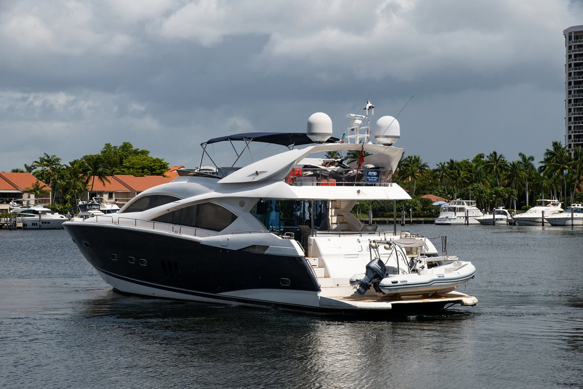Sunseeker Manhattan 82