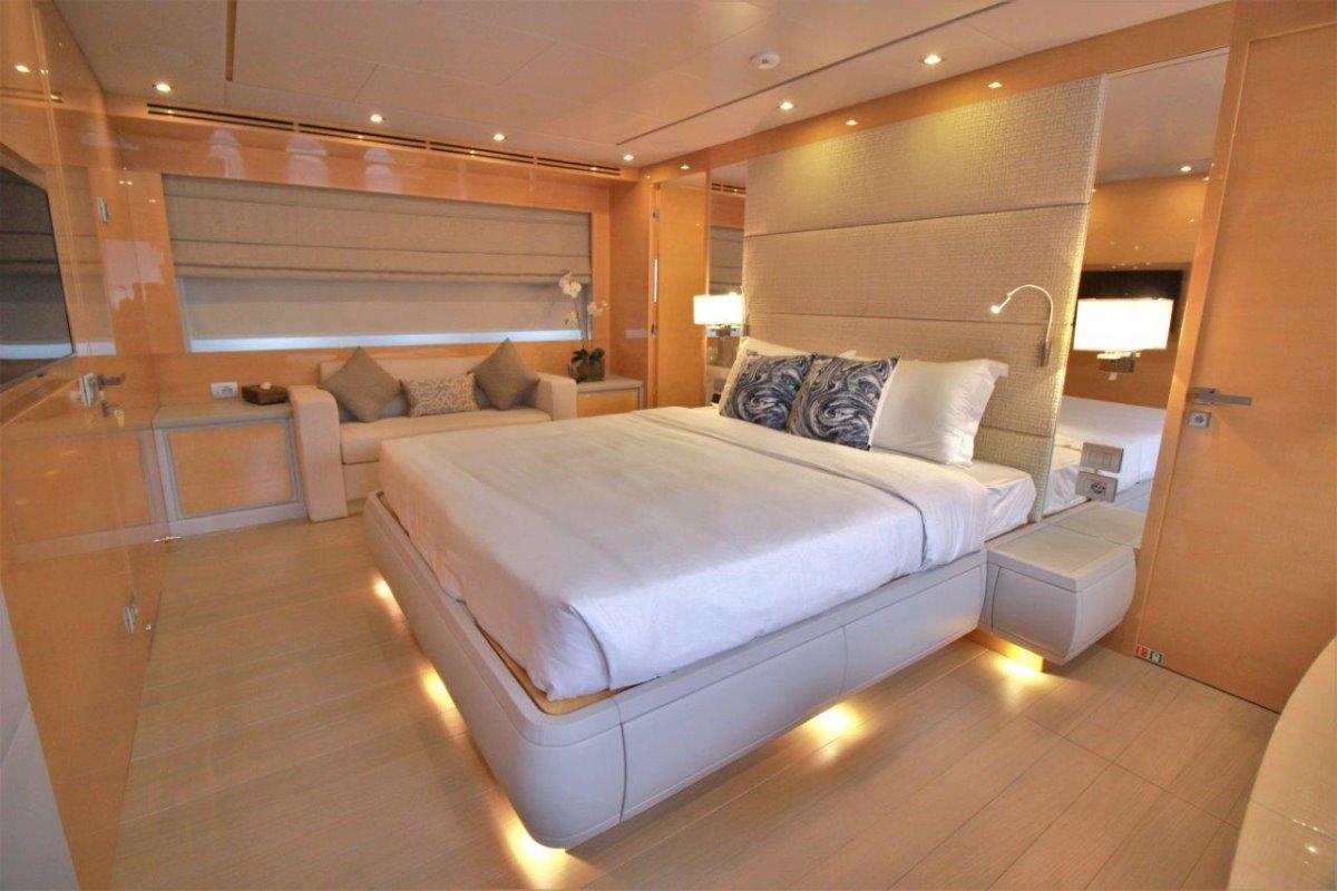 Versilcraft 88 Yacht