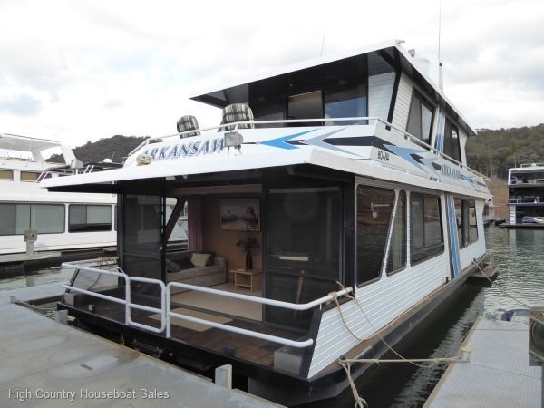Houseboat Holiday Home on Lake Eildon, Vic.:Arkansaw on Lake Eildon