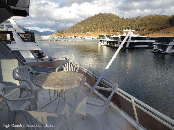 Houseboat Holiday Home on Lake Eildon, Vic.