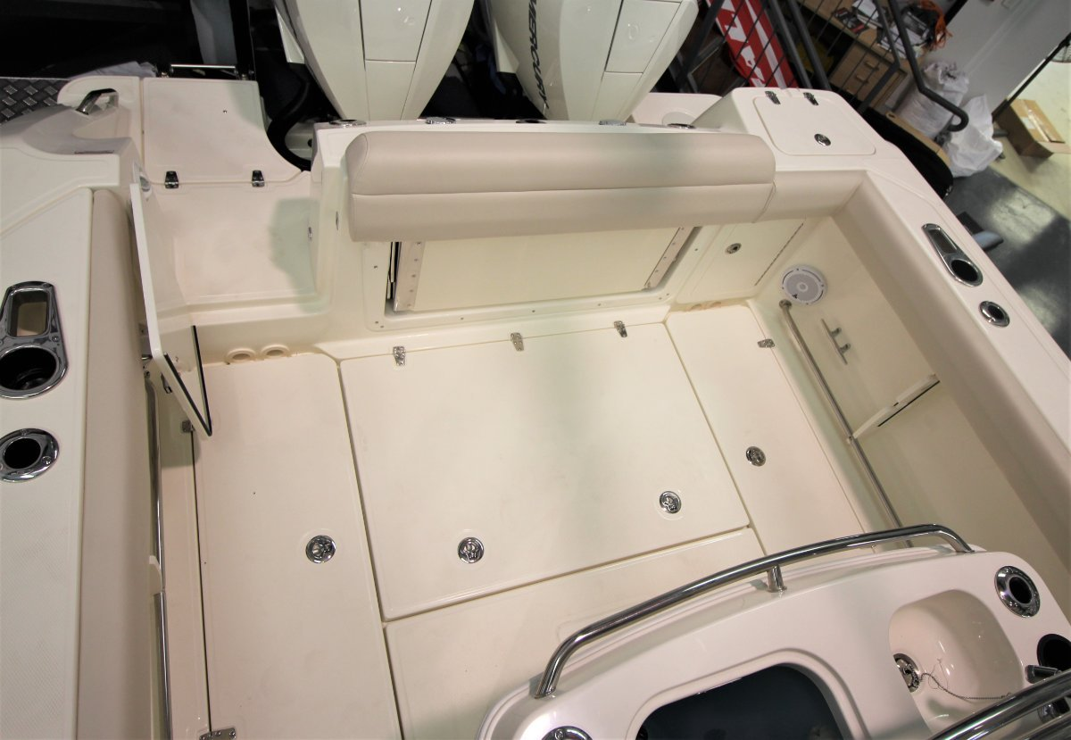 Boston Whaler 280 Outrage Centre Console