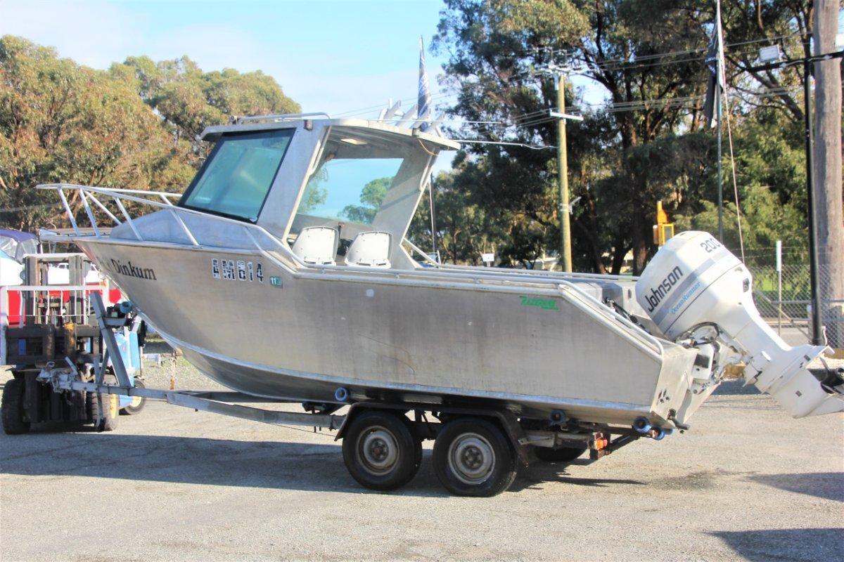 Razerline The ULTIMATE project boat