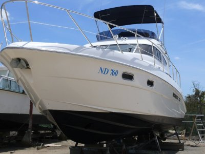 Sealine T47 Flybridge Cruiser
