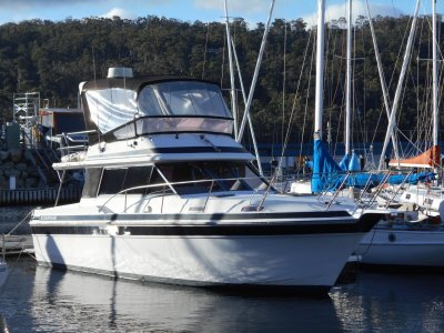 Markline 1100 FLYBRIDGE CRUISER GREAT VALUE MUST SELL